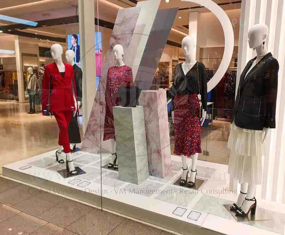 Window display design AW19 Riva Woman